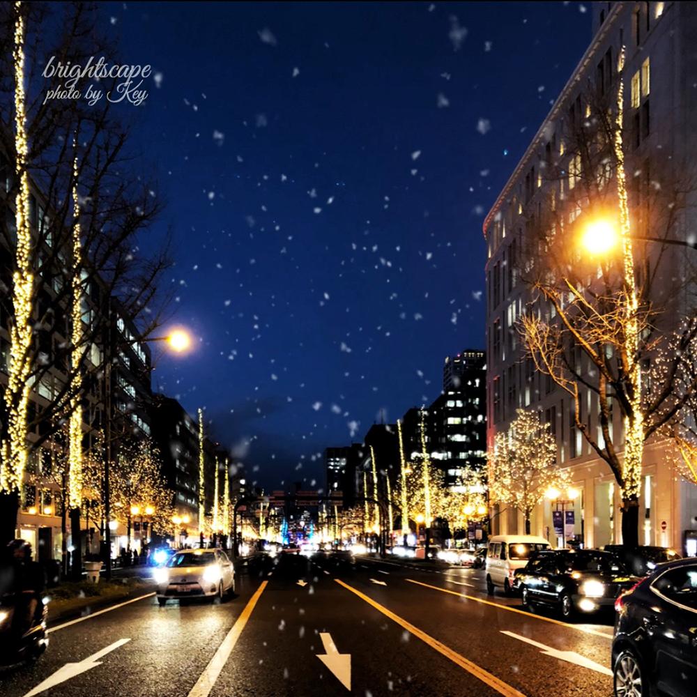 iPhoneで撮った夜景写真に雪を降らせました
